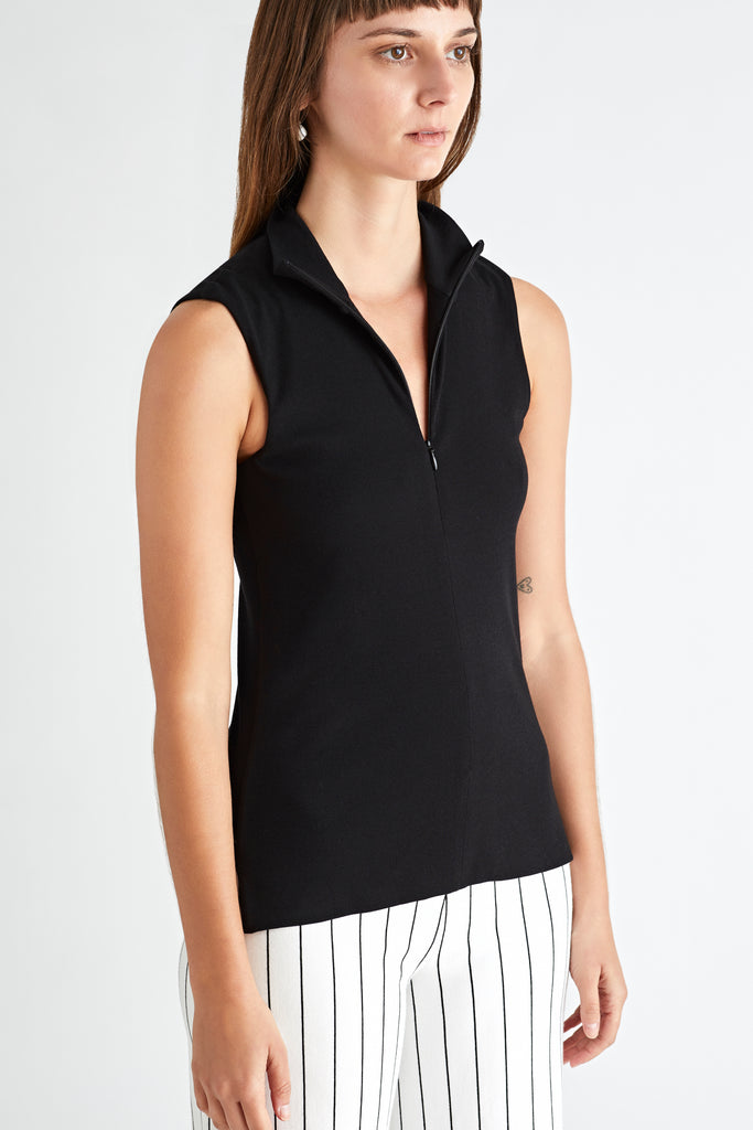 SLEEVELESS FRONT ZIP TURTLENECK