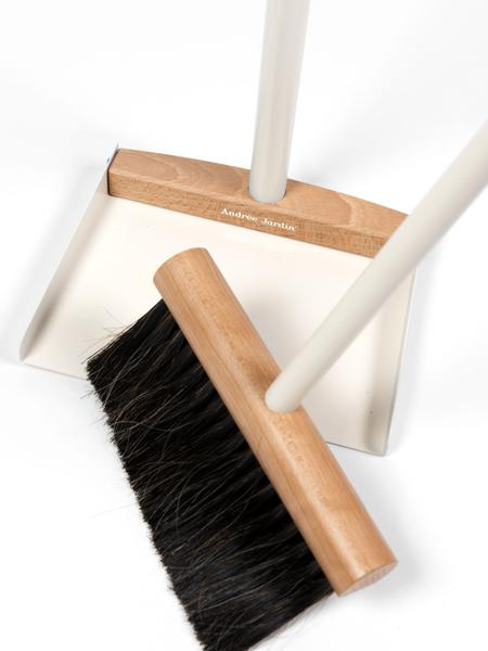 Standing Brush and Dustpan Set - Mr. & Mrs. Clynk in White