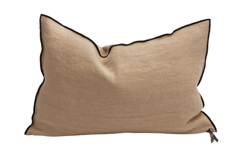 Cushion  - Black Line in Sable