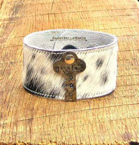 Giggle Key Leather Cowhide Cuff Bracelet