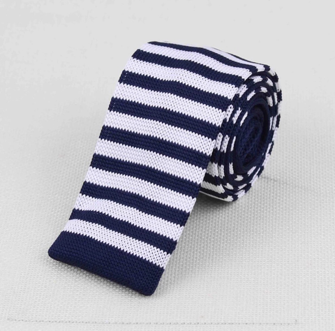 """The Captain"" Skinny Knit Tie - Resso Roth"