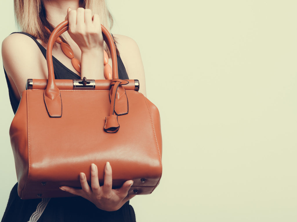 Protecting your Handbag from Humidity and Mildew
