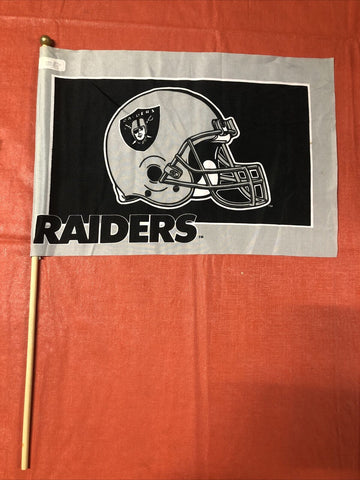 Las Vegas Raiders NFL Vintage Retro 12x18 Flag With Pole
