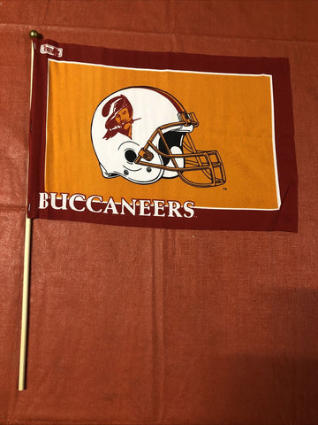 Tampa Bay Buccaneers NFL Vintage Retro Old Logo 12x18 Flag With Pole