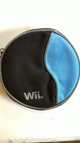 Nintendo Wii 12-CD Storage Case with damaged zipper latch USED