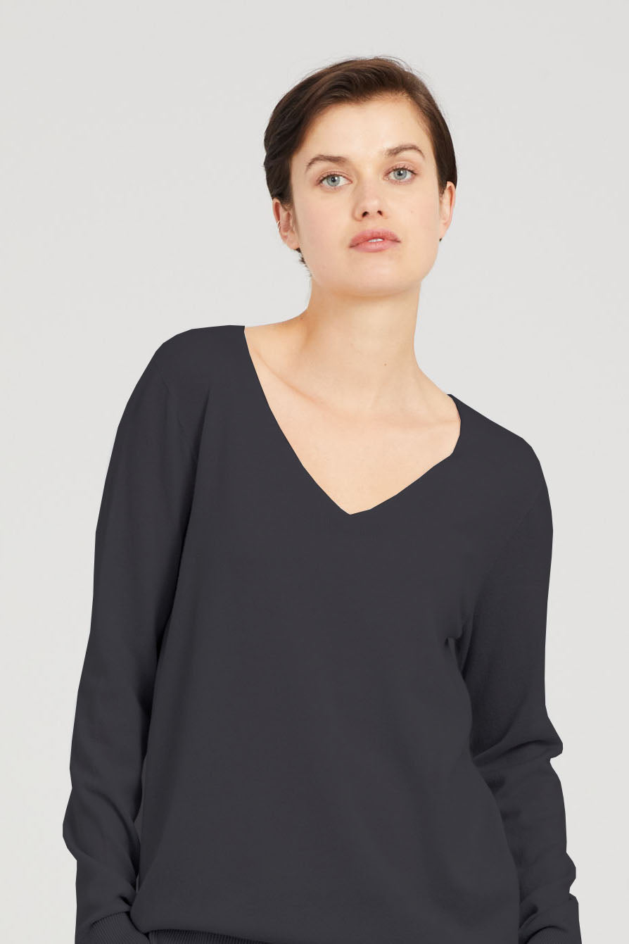 Cashmere V Neck - Standard Issue