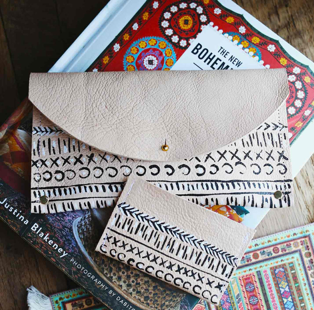 The Aztec Julian Clutch