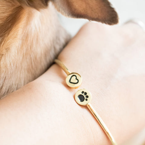 Pet bracelet. Cat bracelet. Dog bracelet. Paw bracelet. cheap pet bangle. www.hazetrend.com. paw gift bangle bracelet