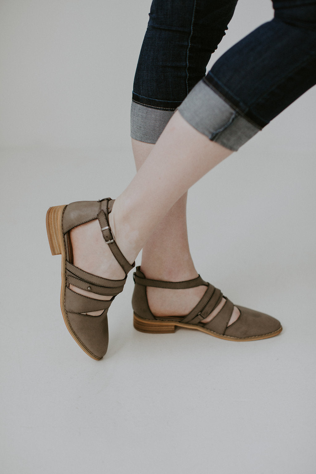 Vintage Distressed Strappy Buckle Sandals