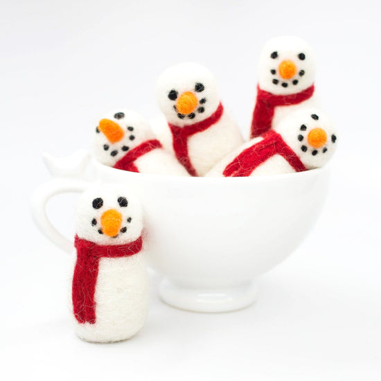 Frosty the Snowman Cat Toy from The Foggy Dog