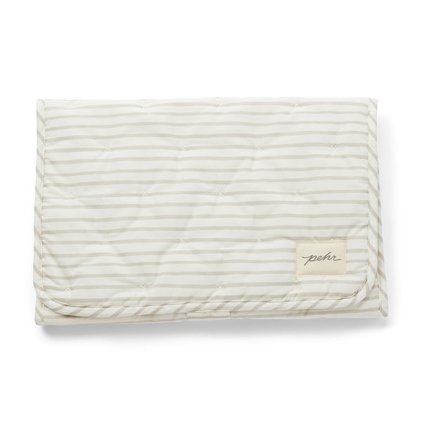 ON-THE-GO CHANGING PAD, GRAY