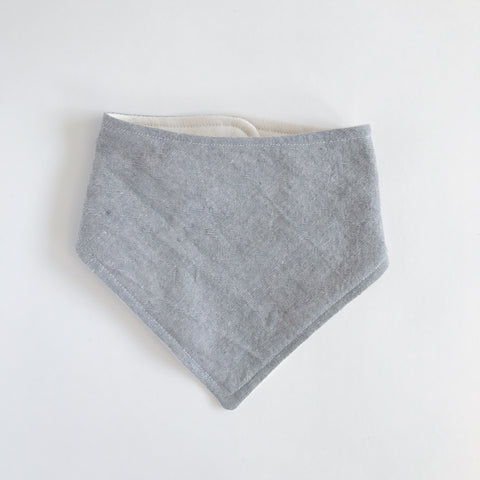 LINEN-COTTON BANDANA BIB, LIGHT GRAY - Lake Millie