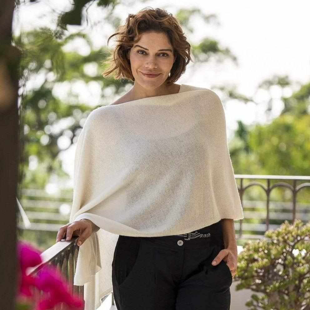 Esperance & Co Cashmere Topper | Snow - Silvermaple Boutique