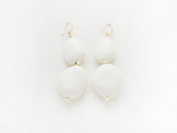 Valet Pebble Earrings White
