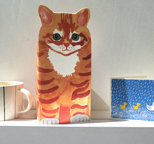 Pop Up Pet Ginger Tom on mantle piece