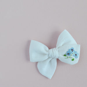 Pinwheel Hand Embroidered Bow - Baby Blues