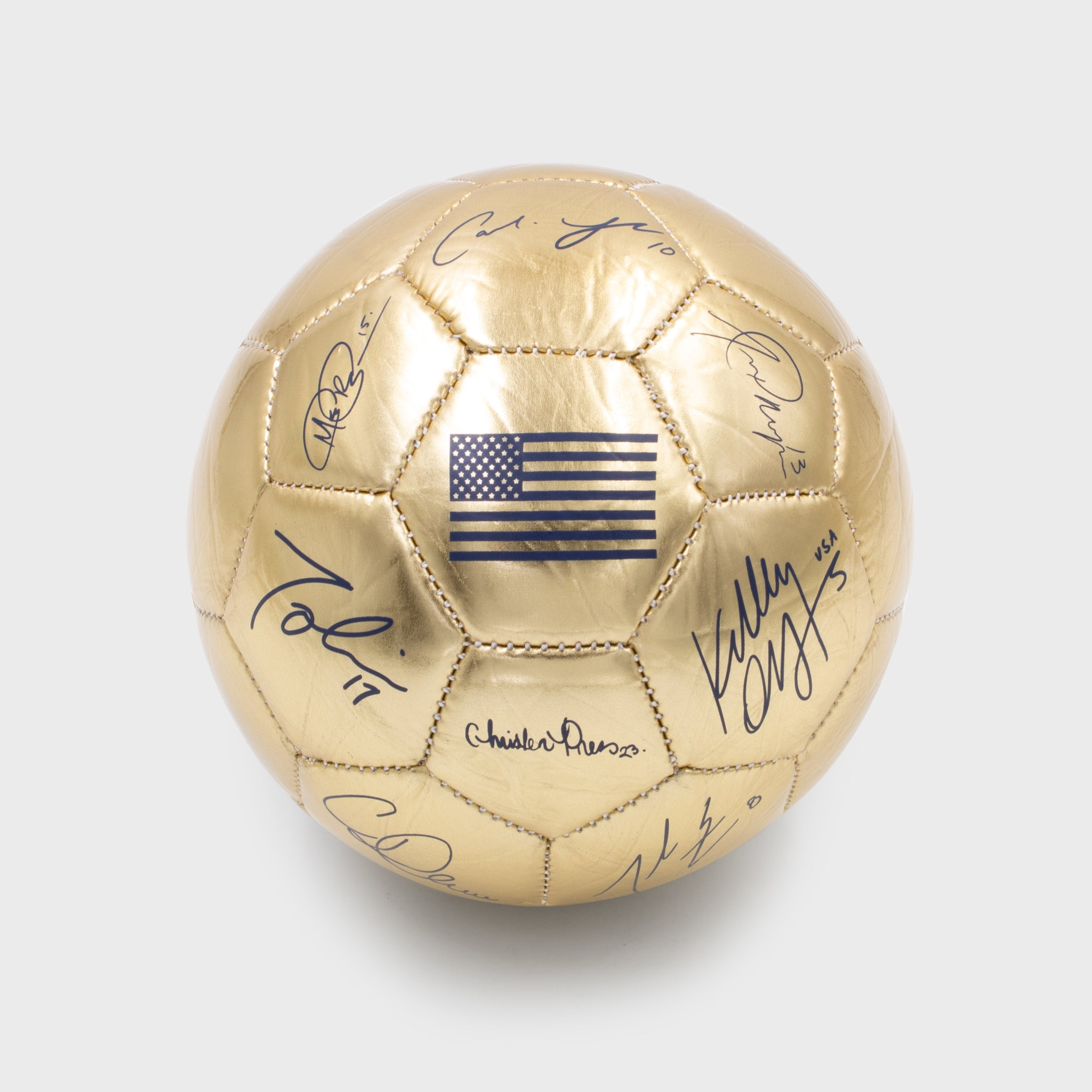 uswnt us usa united states women's national team soccer champion collectible exclusive box mini signed ball autograph culturefly