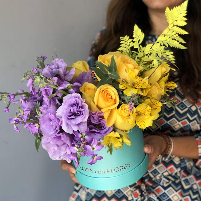 Yellow and Purple  - Rosas, lisianthus, mathioles y flores mix - Del Autor