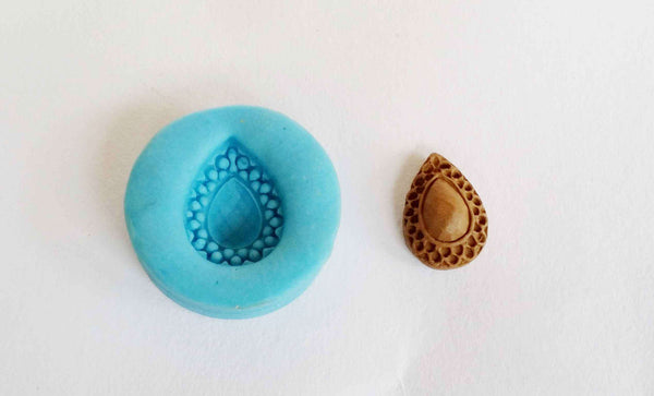 Droplet stud mould - Claysphere