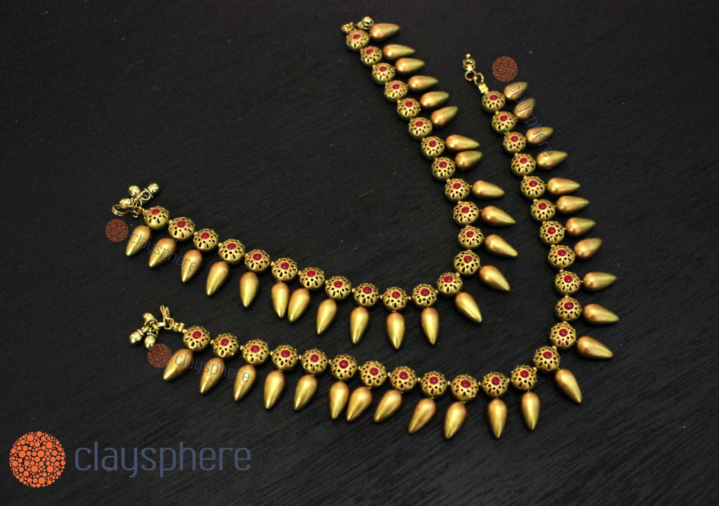 Golden Drop Traditional Terracotta Anklet Set - Claysphere
