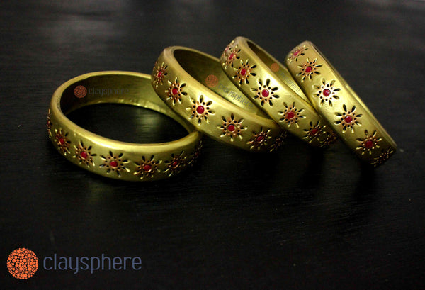Golden Drop Medium Kada Terracotta Bangle Set - Claysphere