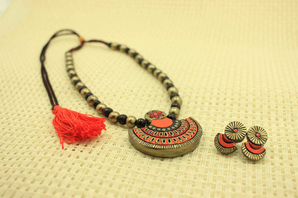 Exquisite contemporary terracotta jewellery set - Claysphere