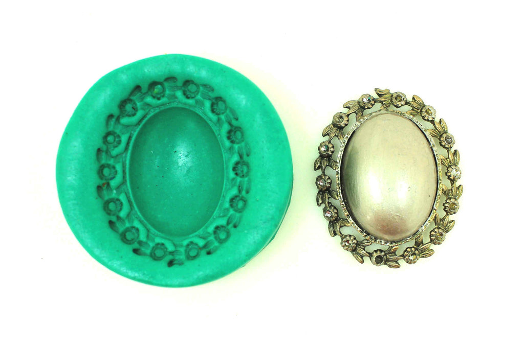 Dome Spring Pendant Floral Mould - Claysphere