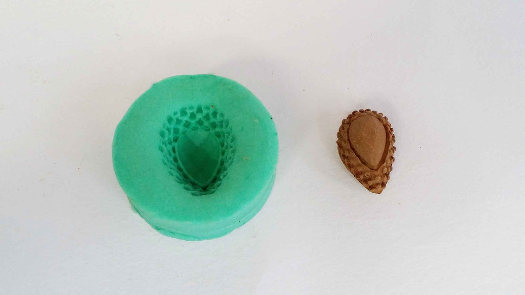 Pearl droplet stud mould - Claysphere