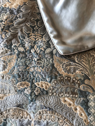 Jacqueline Silk Throw