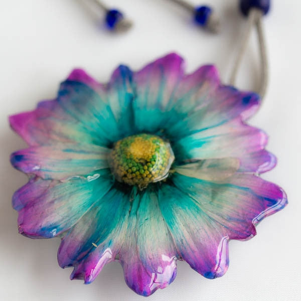 purple-blue chrysanthemum necklace