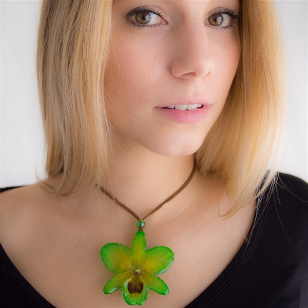 Green small nobile necklace