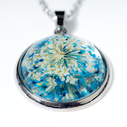 Orb Necklace Blue-White