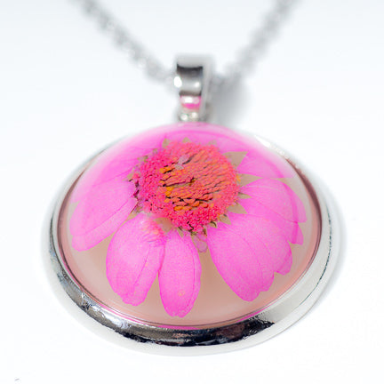 Orb Necklace pink daisy