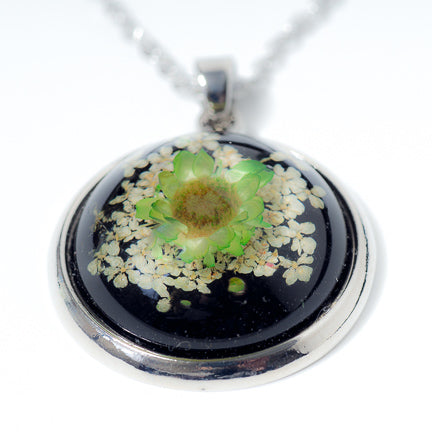 Flower Necklace Orb Green