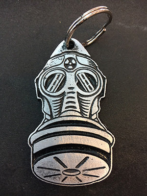 METAL GASMASK KEYCHAIN (painted)