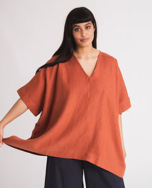 Leonor Linen Top in Clay by Beaumont Organic