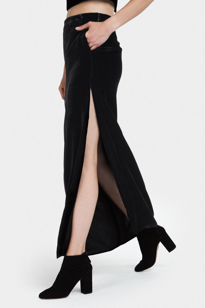 LONG VELVET SKIRT IN BLACK - FRANKIE