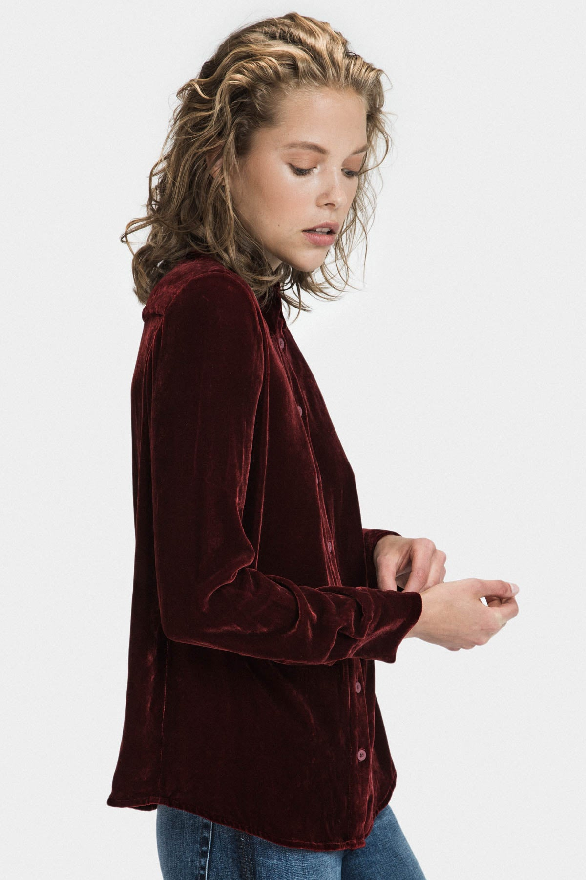 VELVET COLLAR LOOSE FIT SHIRT IN BURGUNDY - FRANKIE