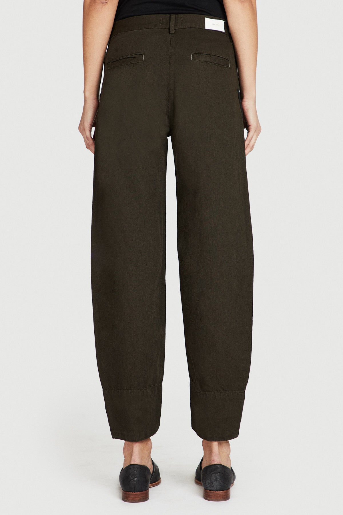 Big Cuff Carrot Trouser in Olive