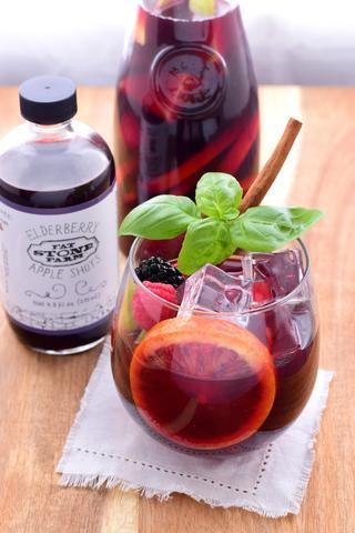 Elderberry Apple Shots Sangria