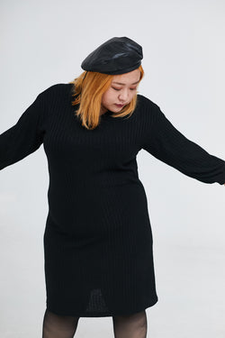 V-neck Ribbed Dress In Black