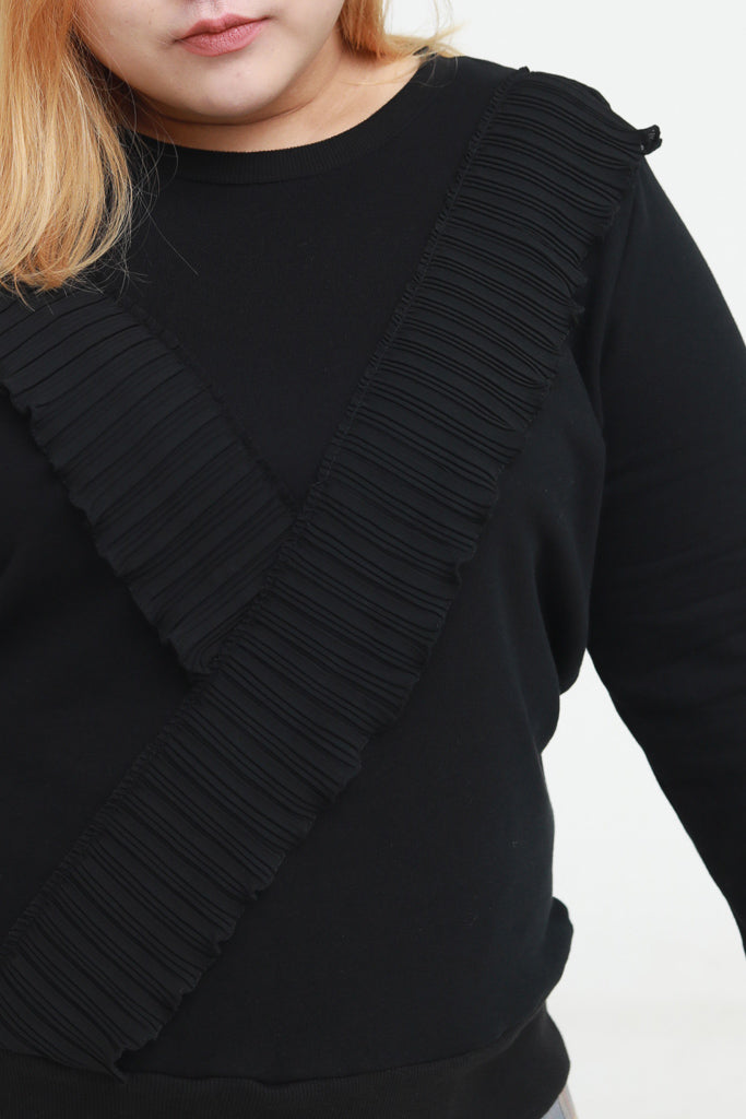 Sweatshirt In Black With Ruffle Details