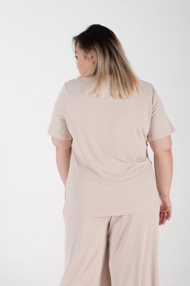 Ribbed Round Neck T-Shirt In Beige