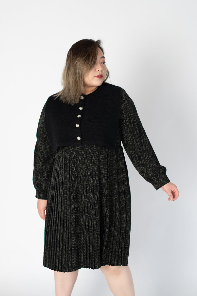 Sweater Cape In Black