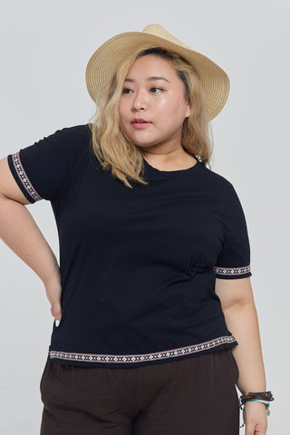 Folk Style T-shirt In Black