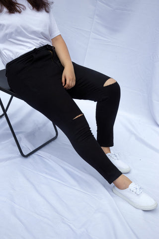 Knee Rip Jeans In Black