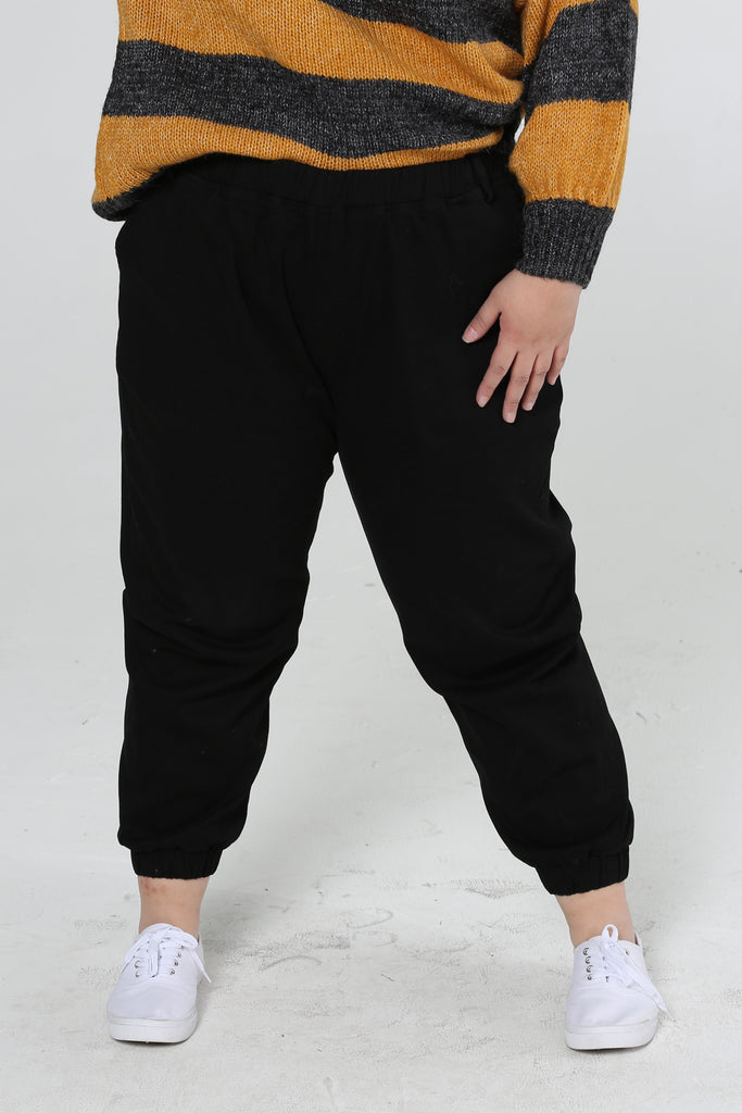 Boyfriend Trackpant In Black