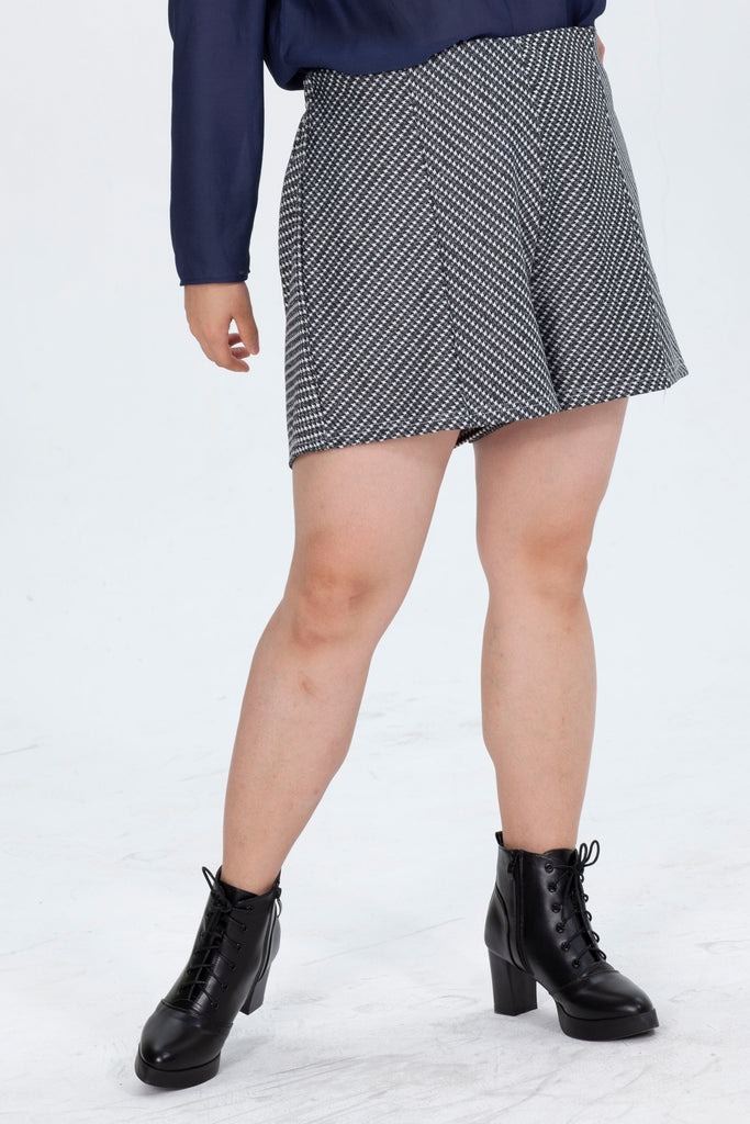 High Waist Shorts In  Houndstooth