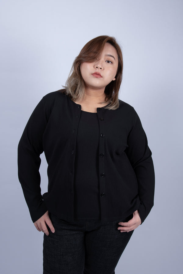 Ribbed Long Sleeves Top In Black (Outerwear + Vest)