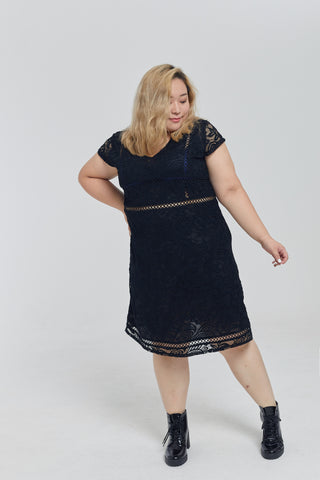 Broderie Lace Dress In Black